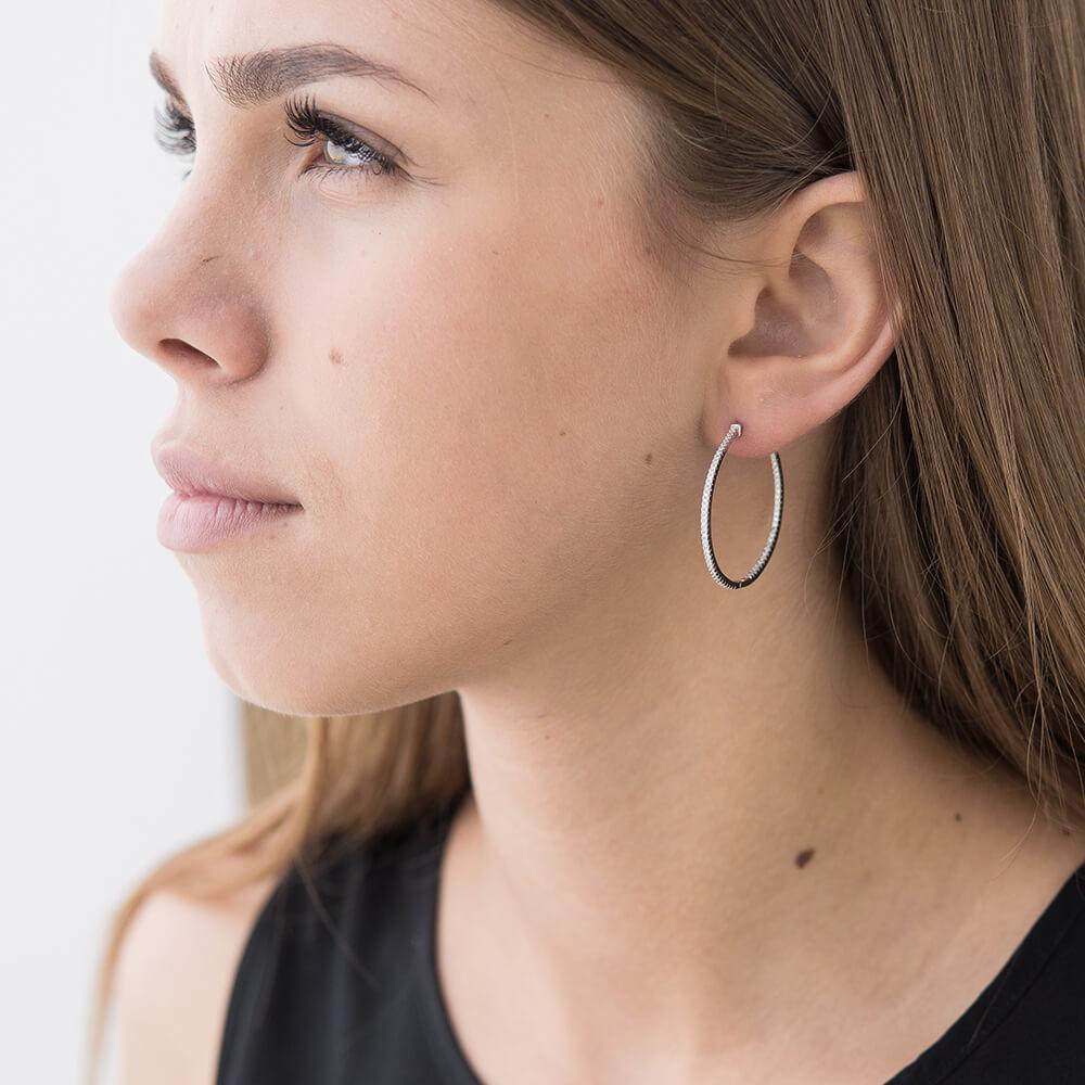серьги кольца на ушах фото
