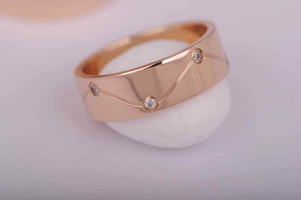 Обручальное кольцо (фианиты)