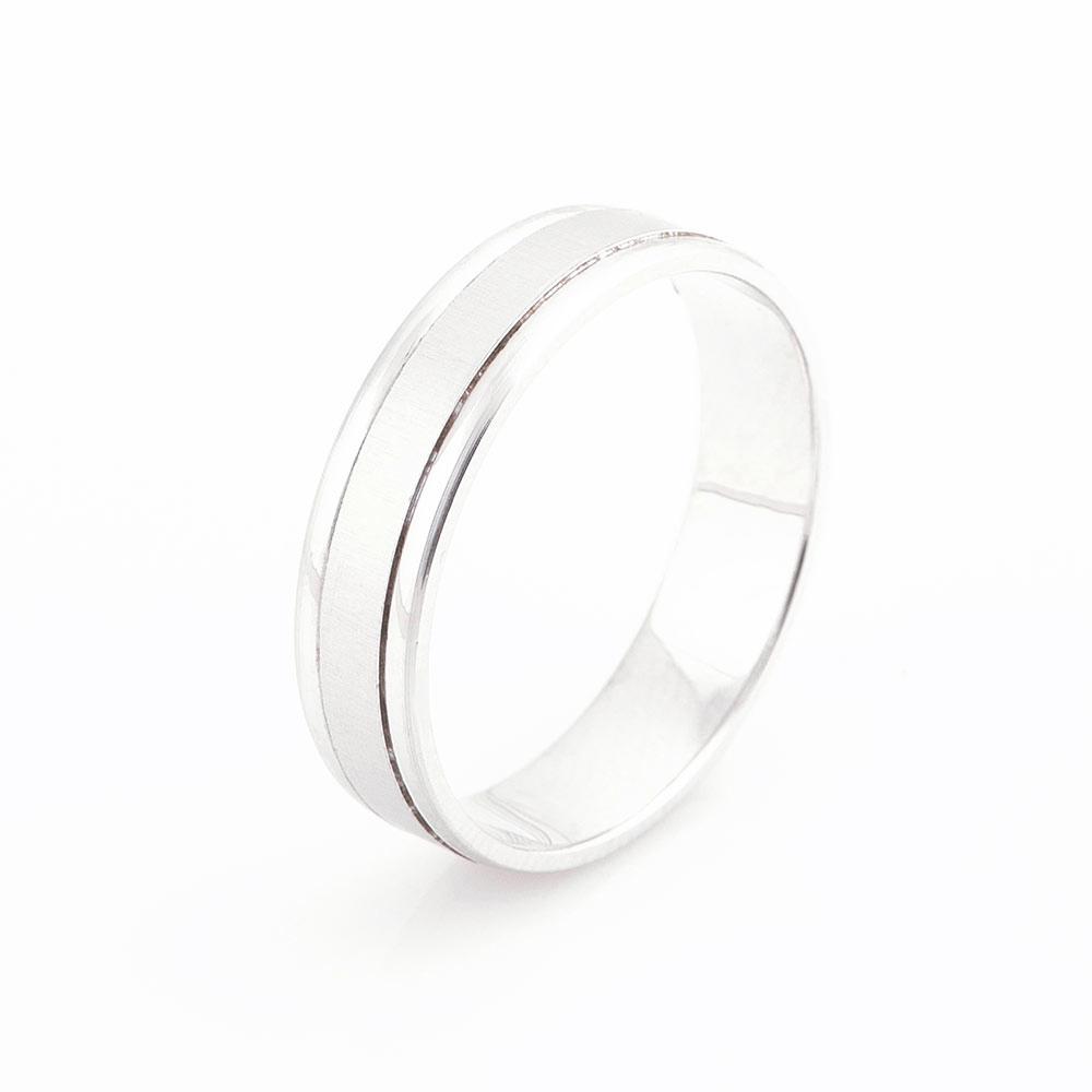 Золотое обручальное кольцо - лаконичное