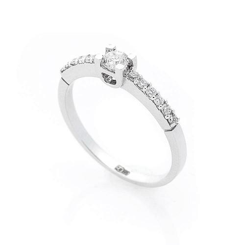 5b68b5089f33 Прежде чем рассказывать о том, как правильно выбрать ювелирные кольца с  бриллиантами, давайте уточним, в чем же секрет столь небывалой популярности  ...