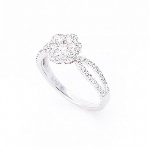 54a201a2fe7b Золотое кольцо с бриллиантами